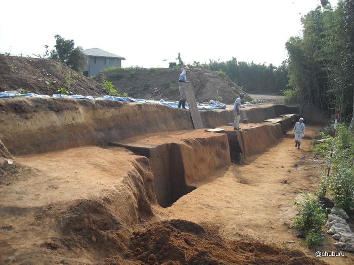 史跡の道その4 発掘調査中の綾羅木郷台地遺跡