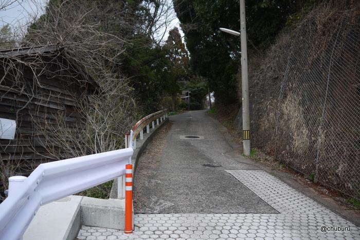椋野トンネルの上を歩く 往路
