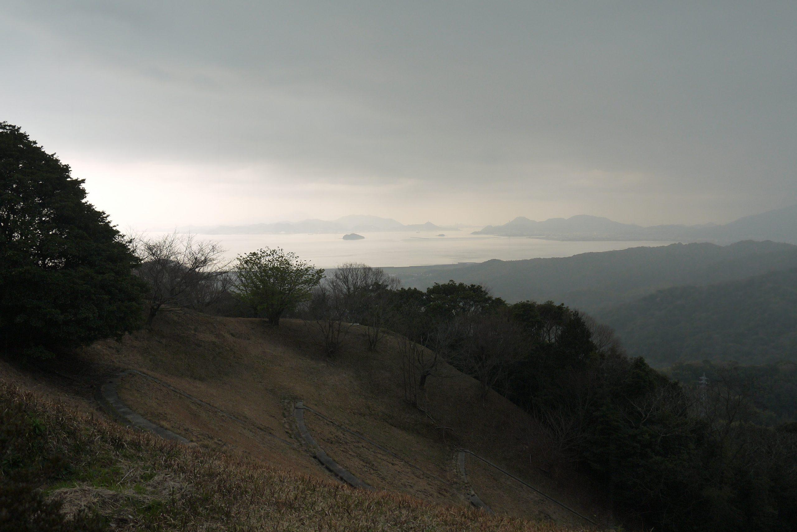 石山公園で土砂降り